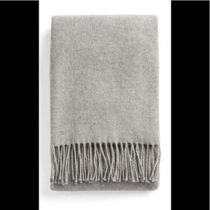 CHARTER CLUB GRAY CASHMERE FRINGE SCARF